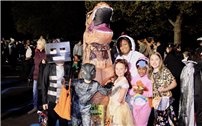 Manetuck Dresses Up Kids and Cars for Trunk-or-Treat thumbnail138956