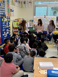 High Schoolers Bring bilingual Stories to Westbury Children thumbnail162445