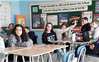 Beach Street Seventh Graders Learn About Vaping Dangers thumbnail162442